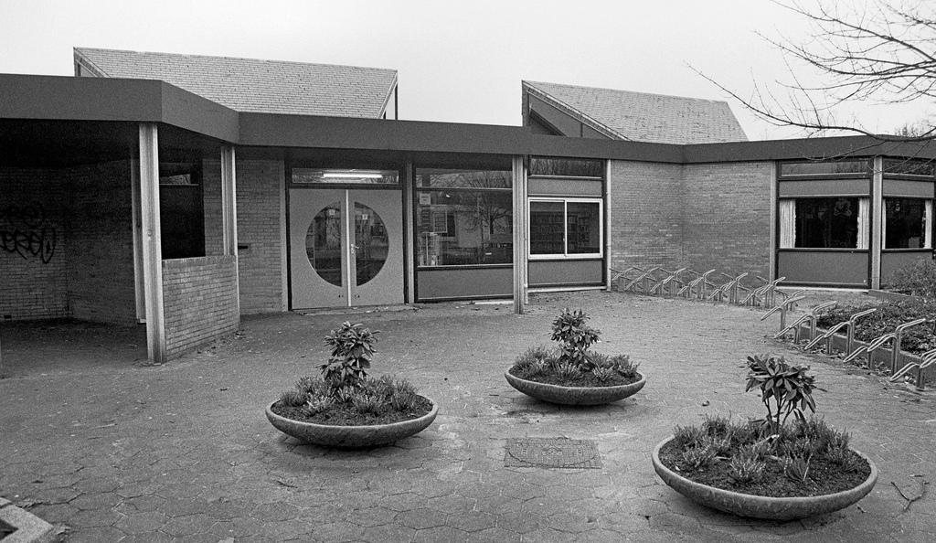 1981 bibliotheek